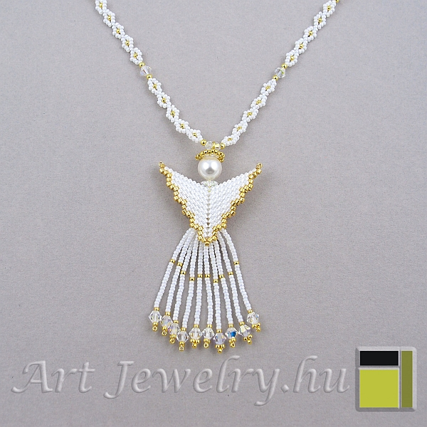 Pattern 895/1115 Angel on a beaded cord
